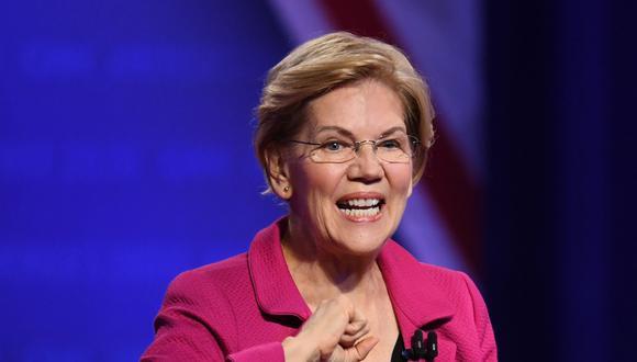 La senadora Elizabeth Warren es una reputada académica experta en derecho financiero que apunta al electorado progresista en estos comicios. Sus propuestas se basan en un seguro de salud universal y en subir los impuestos para los más ricos de Estados Unidos. (AFP)