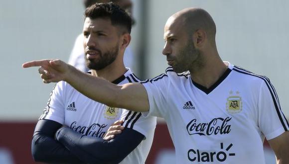 Sergio Agüero y Javier Mascherano fueron parte de la selección de Argentina en los Mundiales del 2010, 2014 y 2018. (Foto: AFP)