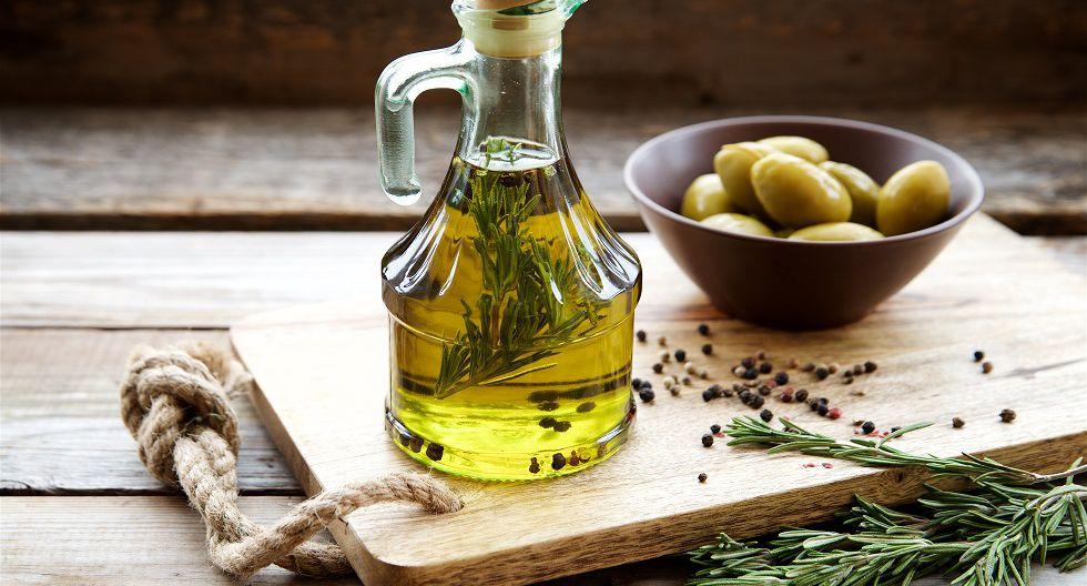 Alimentos que contienen vitamina E: Son los alimentos que contienen grasas saludables, como las aceitunas, el aceite de oliva, la palta, y frutos secos, como pecanas, nueces y almendras. (Foto: shutterstock)