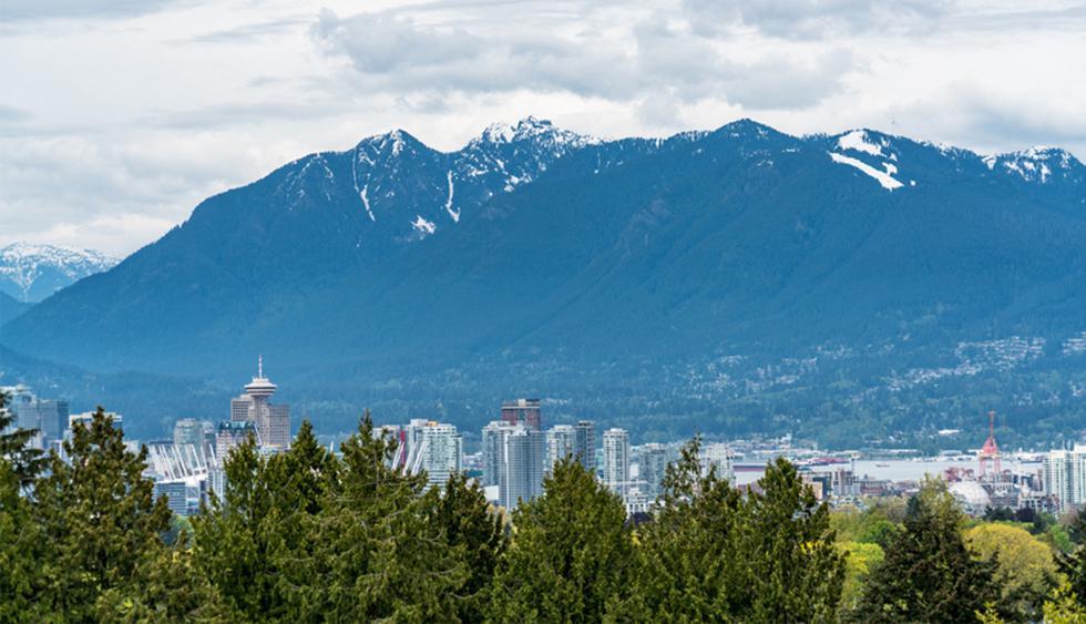 Stanley Park, Vancouver. Pocos parques de la ciudad pueden igualar las características de un bosque salvaje, como sucede con este lugar. Cuenta con senderos para bicicletas y permite tener magníficas vistas de la bahía hacia las montañas. (Foto: Shutterstock)