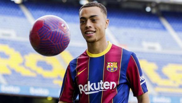 Sergiño Dest ha participado en 10 partidos de Barcelona en lo que va de la temporada. (Foto: AFP)