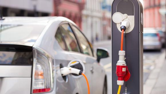 En julio se vendieron 63 autos híbridos y eléctricos.