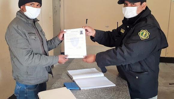 Los internos antes de abandonar los recintos carcelarios fueron sometidos a revisión médica, cumpliendo con los protocolos de prevención ante el coronavirus. (INPE)