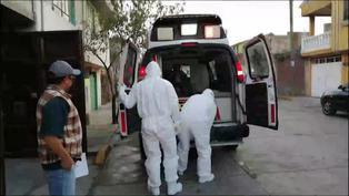 Paramédicos mexicanos buscan cama a enfermos de coronavirus