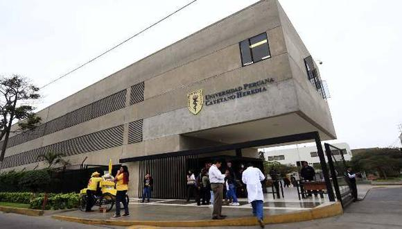 Médicos jóvenes de Cayetano no son los mejor pagados