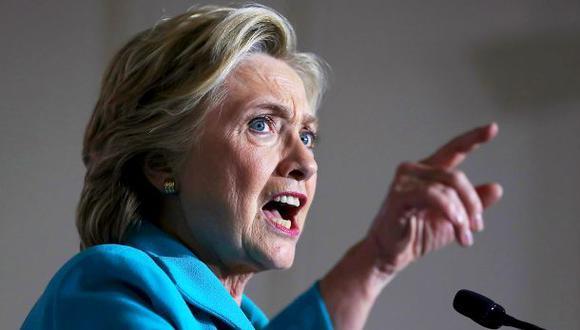 Clinton cuestiona investigación del FBI en su contra