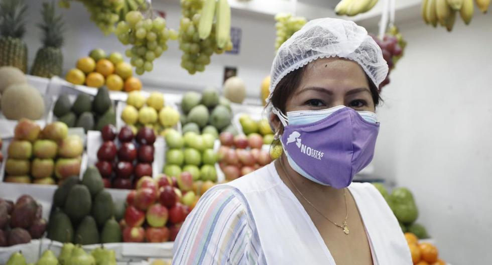 La mascarilla violeta es un símbolo que demuestra que en tiempo de coronavirus no cesa la lucha contra la violencia de género. (César Campos / GEC)