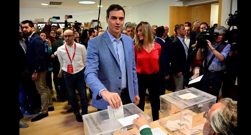 Elecciones en España, con el 50% del voto escrutado, el partido socialista PSOE, de Pedro Sánchez, obtenía 126 diputados de 350. (AFP).
