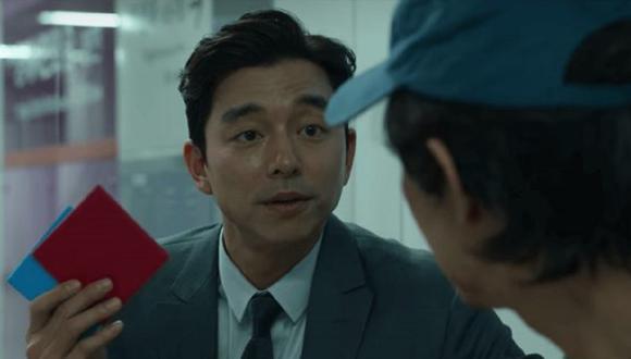 """Gong Yoo (""""Estación zombie"""") interpreta al reclutador en """"El juego del calamar"""" (Foto: Netflix)"""