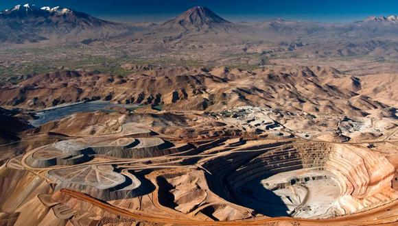 Sociedad Minera Cerro Verde afirma que el procedimiento de arbitraje no afectará sus operaciones. La minera opera la mina Cerro Verde, el mayor productor individual de cobre del Perú, con más de 400 mil toneladas anuales. (Foto: mercadosyregiones)