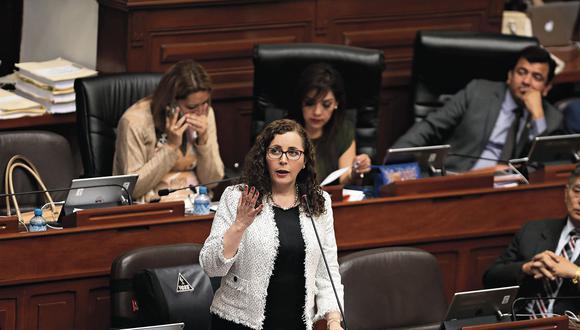 El pleno escuchó ayer el sustento del informe final del Caso Lava Jato, a cargo de Rosa Bartra. (Foto: Hugo Pérez/ El Comercio)