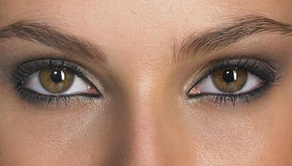 En el caso de los párpados, la especialista sugiere optar por correctores que neutralicen las irregularidades de la piel, cubran imperfecciones y ojeras. (Foto: Getty Images)