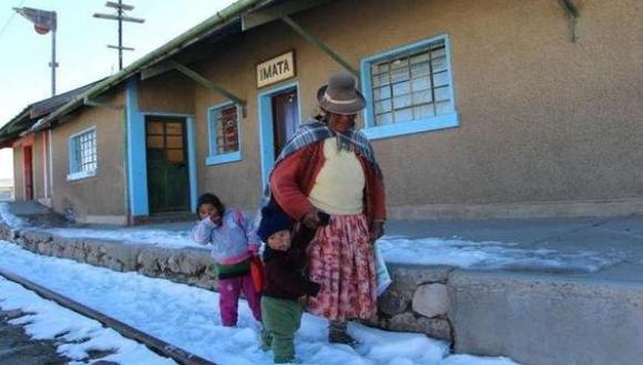 """""""Nos felicitamos cada vez que reducimos los índices de pobreza, y no nos ponemos a pensar que, en esa familia que estadísticamente ya no es pobre, crecen niños con deficiencias nutricionales"""". (Foto: Archivo El Comercio)"""