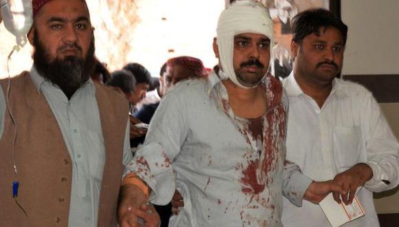 Pakistán: brutal ataque contra mezquita deja 55 muertos