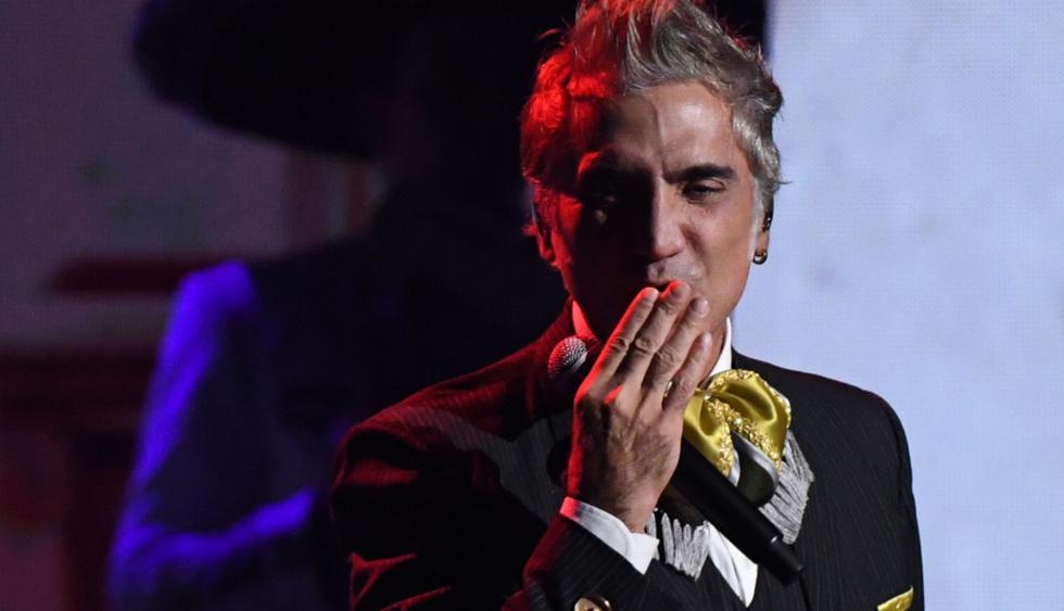 El cantante mexicano Alejandro Fernández cumple 49 años en medio de la incertidumbre por el COVID-19. (Foto: AFP)