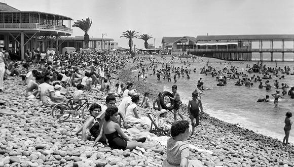 Postal de 1955 del balneario de La Punta. Foto: GEC Archivo Histórico