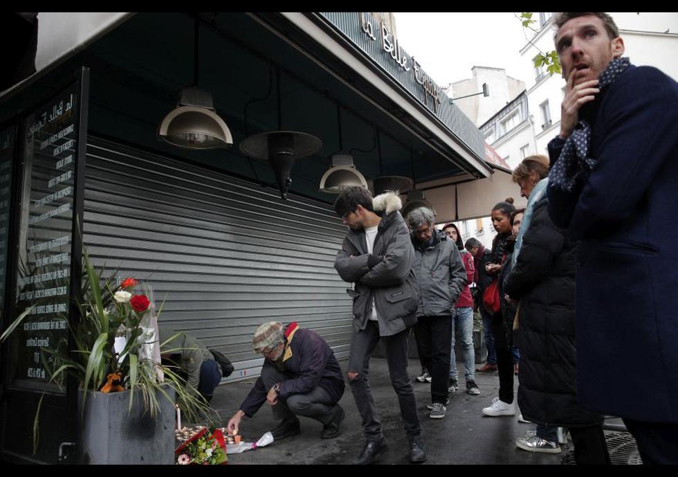 París recuerda a los 130 fallecidos en los ataques terroristas - 10