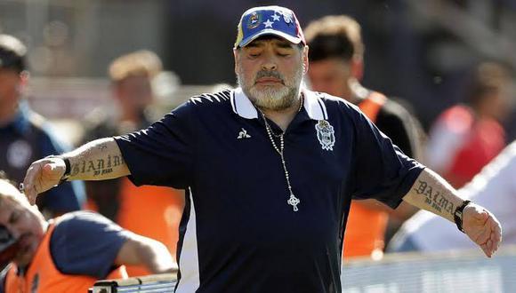 Diego Armando Maradona no es más técnico de Gimnasia y Esgrima La Plata de Argentina. (Foto: AFP)