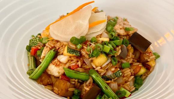 Saltado de pollo con verduras orientales, por el cocinero Jaime Pesaque.