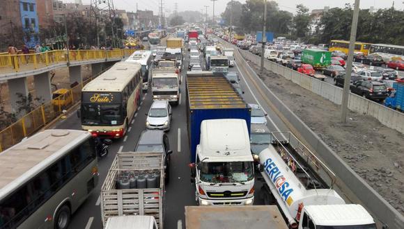 """""""Las principales causas del elevado número de accidentes de tránsito son el deficiente diseño de las vías, la pésima señalización y, sobre todo, el incumplimiento generalizado de las reglas de tránsito""""."""