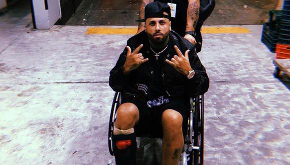 Nicky Jam ofreció un concierto sentado a causa de una fuerte lesión en el tobillo. (Foto: @nickyjam)
