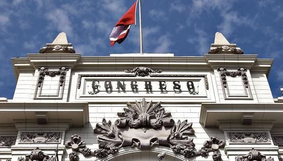 La crisis política también generó renuncias a varias bancadas y golpeó la conformación de diversas comisiones en el Congreso (Foto: El Comercio)