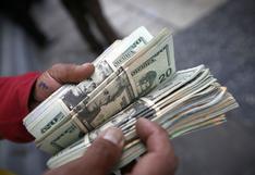 Dólar anota su mayor alza diaria en el siglo: ¿por qué ocurrió y qué escenario se avecina?