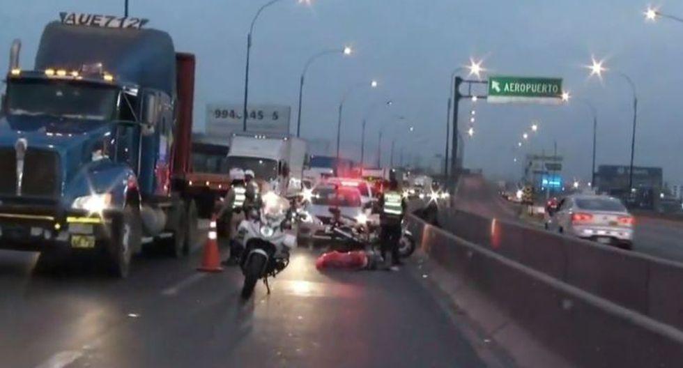 El cadáver de un hombre fue arrojado en el by pass de la Panamericana Norte, según informó PNP. (Captura: TVPerú)