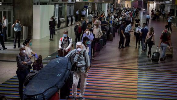 Un avión salió de Caracas rumbo a Madrid cargado con 360 pasajeros, la mayoría de ellos europeos. (Foto: AFP)