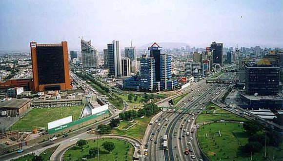 El MEF esperaba un crecimiento de la economía peruana de 4,2% para el 2019 a inicios de año. Esta cifra, sin embargo, ha cambiado a lo largo del año por diversos factores, entre ellos la baja inversión pública del gobierno nacional y de los gobiernos regionales y municipios.