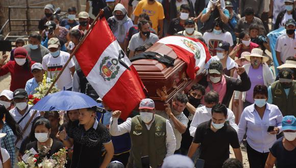 Jorge Muñoz: joven fallecido en protesta agraria fue despedido por familiares y colegas del agro en La Libertad. (Foto: Randy Reyes)
