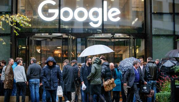 (FILES) In this file photo taken on November 1, 2018 Google staff stage a walkout at the company's UK headquarters in London as part of a global campaign over the US tech giant's handling of sexual harassment. A Google employee who helped organize major walkouts in late 2018 announced on June 7, 2019 that she was resigning after she felt she was the victim of internal reprisals, accusations Google denies. / AFP / Tolga Akmen