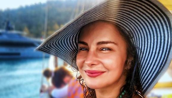 "Ece Özdikici interpretó a la Dra. Jale en ""Mujer"" (Foto: Ece Özdikici / Instagram)"