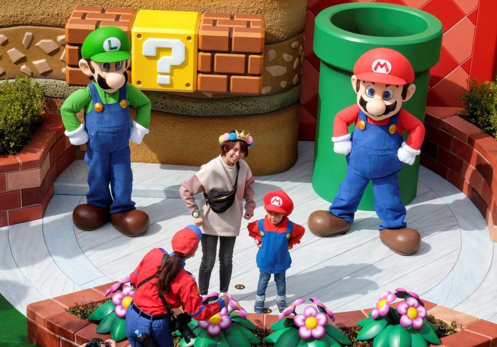 Después de meses de retraso a causa de la pandemia, el primer parque de atracciones basado el universo de Nintendo abrió sus puertas el jueves en el recinto de lo estudios Universal Japan (USJ) de Osaka, en el oeste de Japón. (Texto: AFP / Foto: Reuters).
