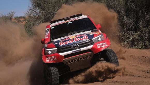 El piloto catarí conquistó el triunfo de la décima tercera etapa del Dakar 2018 y ya se ubica en el 2do puesto de la general donde Carlos Sainz es el firme candidato al título en coches. (Foto: EFE)