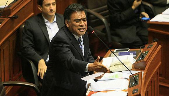 Niegan vínculos de Rodolfo Orellana con gobierno aprista