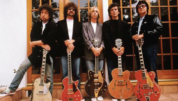 De izquierda a derecha: Bob Dylan, Jeff Lynne, Tom Petty, George Harrison y Roy Orbison, miembros de The Traveling Wilburys. [Foto: Web oficial]