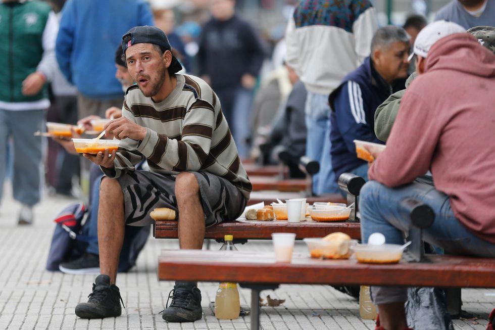 Argentina: Las ollas populares toman las calles vacías por la huelga general. Foto: EFE