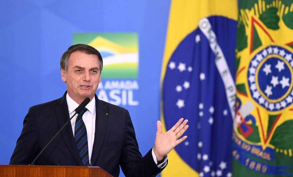 """El mandatario brasileño utilizó su programa de Facebook para contar su historia personal y asegurar que """"el trabajo dignifica a los hombres y las mujeres, poco importa su edad"""". (AFP)"""