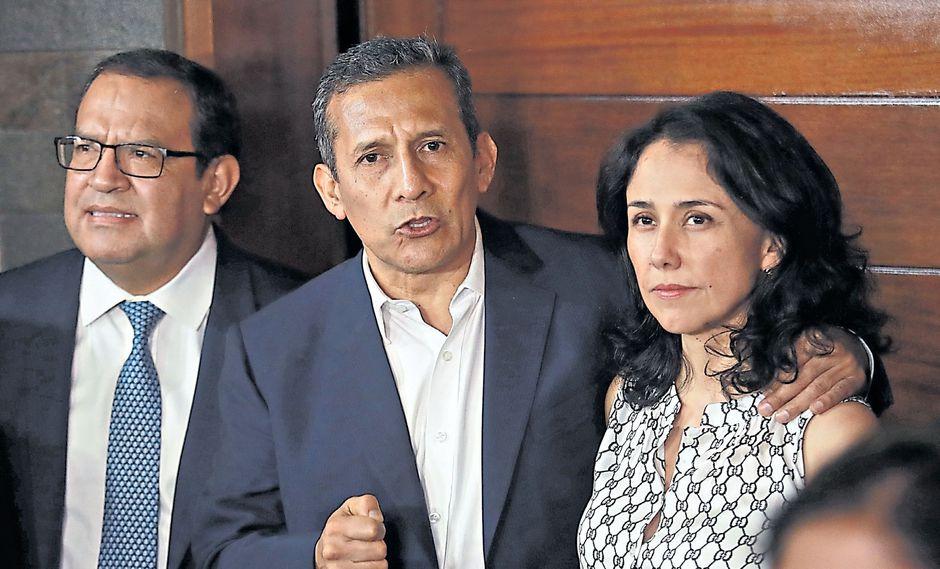 Ollanta Humala abandonó el penal de la Diroes, en Ate, una hora después de que su esposa, Nadine Heredia, saliera de la cárcel. Al dejar la prisión, se fue al local del Partido Nacionalista, en Jesús María. (Foto: Lino Chipana/ El Comercio)