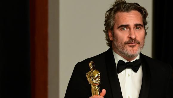 Oscar 2020: Joaquin Phoenix y su paso por la alfombra roja. Foto: AFP.