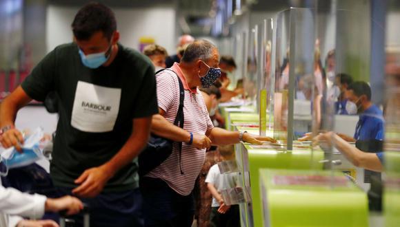 La exclusión de España, el primer destino vacacional de los británicos, trastornará los planes festivales de muchas personas, además de afectar a los sectores turísticos español y del Reino Unido. (Foto: REUTERS/Borja Suarez).