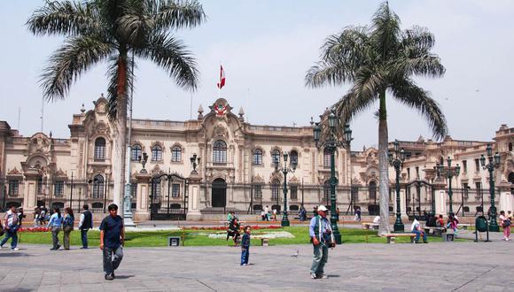 Un buen punto de inicio para un tour por Lima es la Plaza de Armas. (Foto: Shutterstock)