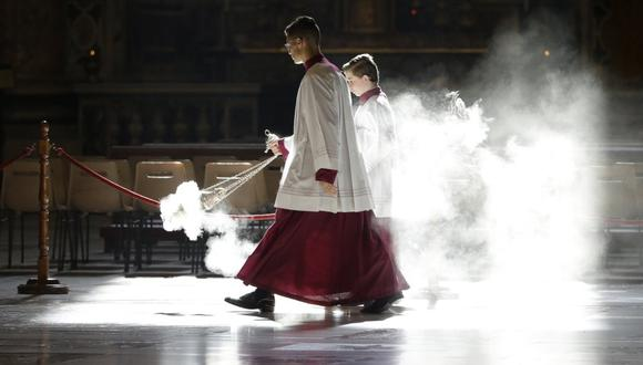 El Tribunal del Vaticano juzgara desde mañana a dos sacerdotes acusados de abusos sexuales a un joven seminarista. (Foto: GREGORIO BORGIA / POOL / AFP).
