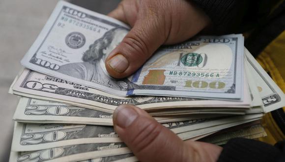 En el mercado paralelo o casas de cambio de Lima, el tipo de cambio se cotiza a S/4,100 la compra y S/4,125 la venta de cada dólar. (Foto: Jorge Cerdán / GEC)
