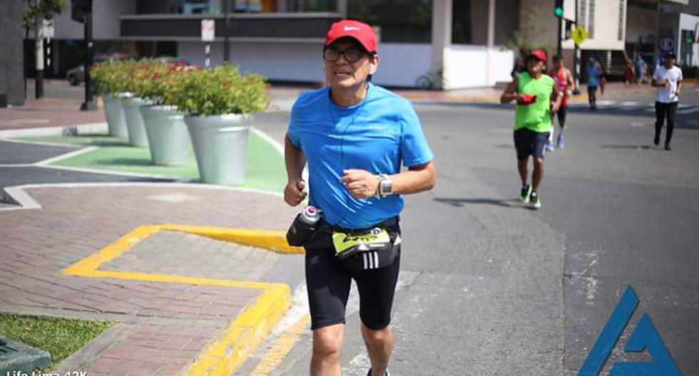 A los 60 años, Mario Mejía, periodista de esta casa, corrió su primera maratón el pasado domingo 19 de mayo (Foto: Facebook).