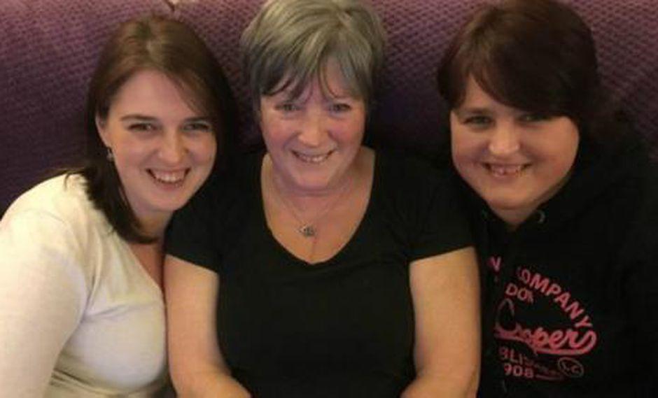Las gemelas que buscan un récord por nacer en países diferentes