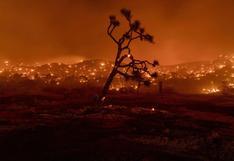 Vientos empujan incendios hacia zona desértica en California | FOTOS