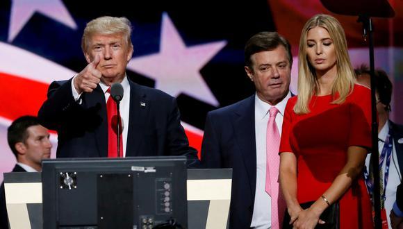 Manafort acompaña a Donald Trump y su hija, Ivanka, durante la Convención Nacional Republicana celebrada en Cleveland en el 2016. (Reuters)