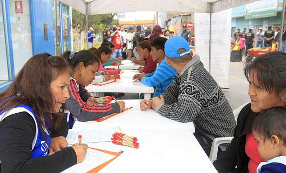 Desempleo en Lima bajó a 5,7% entre agosto y octubre